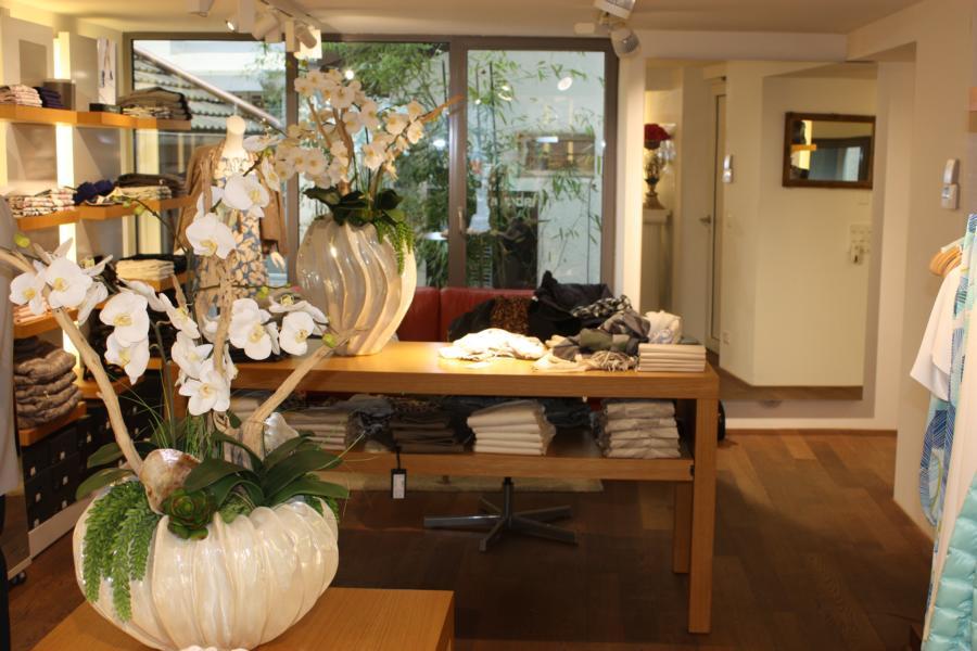 Kunstblumen k nstliche blumen k nstliche orchideen for Raumgestaltung zug